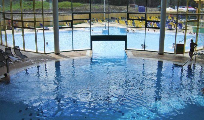 Venkovní část aquaparku Meander v Oravici s bazénovými technologiemi od Centroprojektu