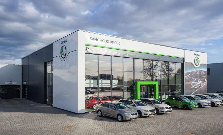 Autosalon Škoda Olomouc. Zdroj: www.stavbaroku.zlin.cz