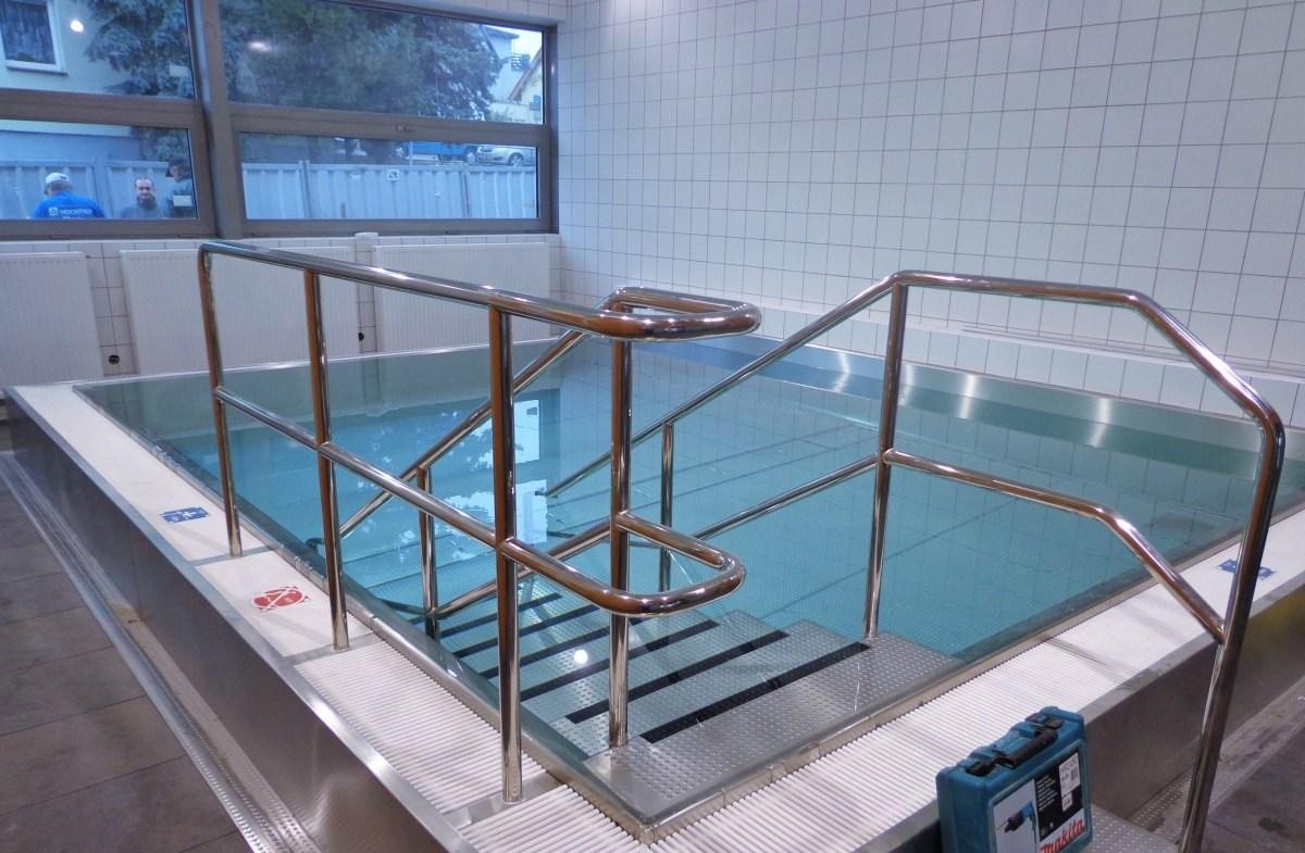 Vnitřní bazén v areálu Na Pražačce v Praze