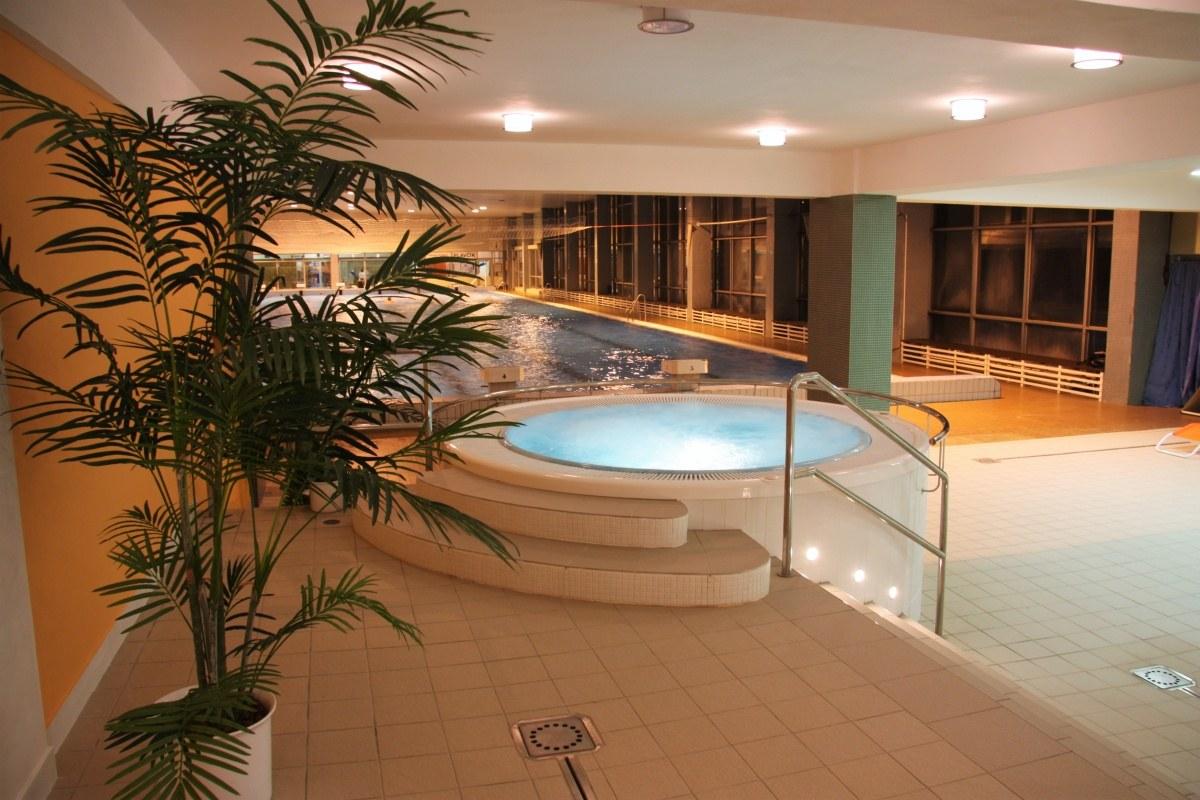 Vnitřní bazén a whirlpool v Přerově