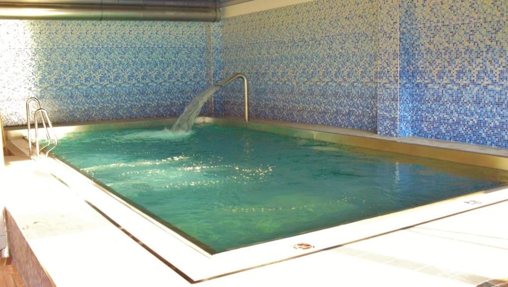 Bazénová technologie hotelového bazénu od Centroprojektu