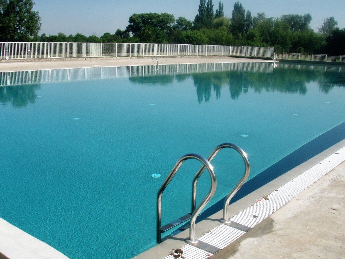 Bazénové fólie a technologie pro koupaliště ve Veselí nad Moravou